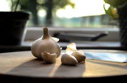 7 причин ежедневно есть чеснок и его польза